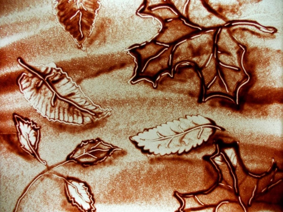Картинки по запросу песочная анимация осень