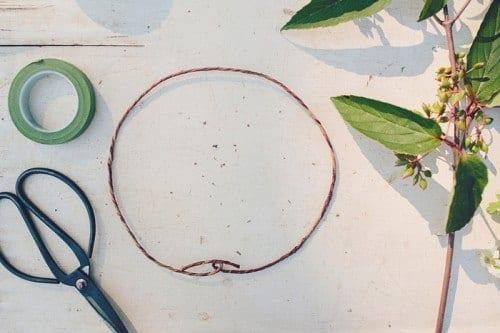 Мастер класс по плетению венков из живых цветов