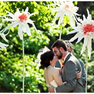 бумажные большие цветы 3